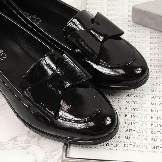 Półbuty damskie lakierowane z kokardką czarne Vinceza