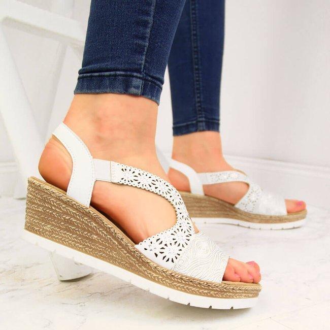 Sandały damskie na koturnie białe Rieker 61916