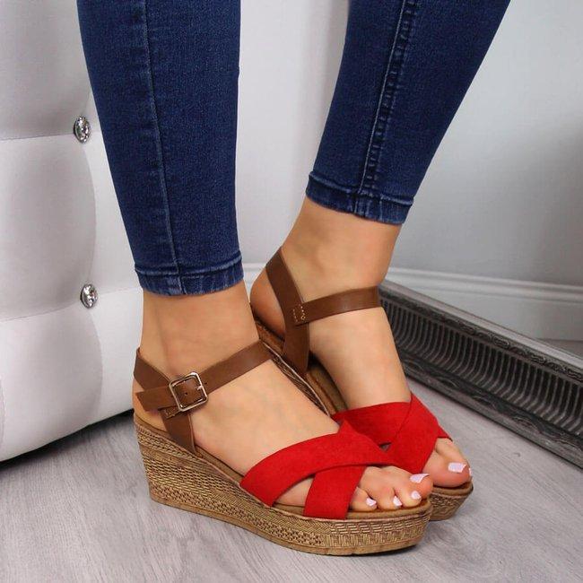Sandały damskie na koturnie czerwone S.Barski