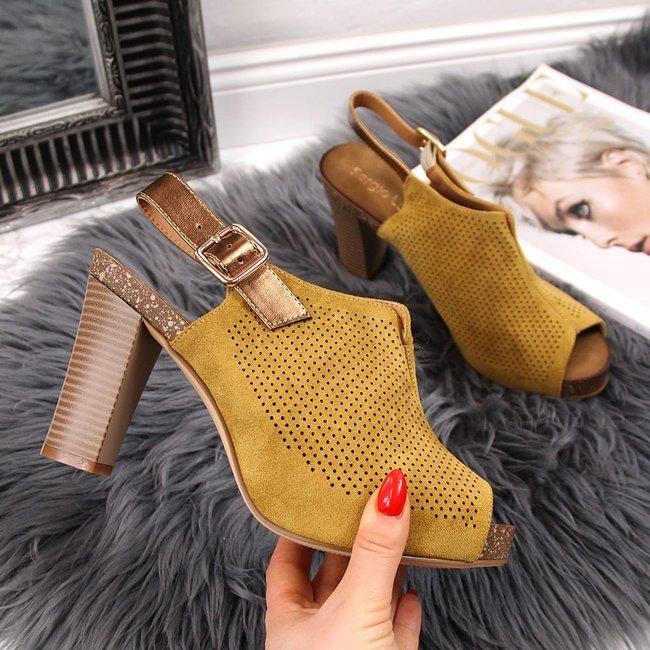 Sandały damskie na platformie żółte Sergio Leone