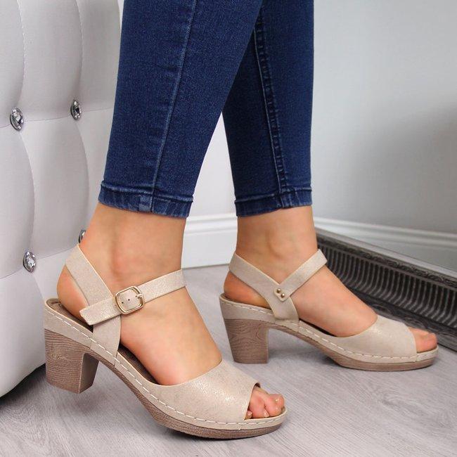 Sandały damskie na słupku beżowe z połyskiem eVento