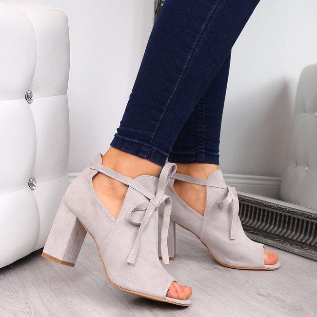 Sandały damskie na słupku zabudowane szare Vinceza
