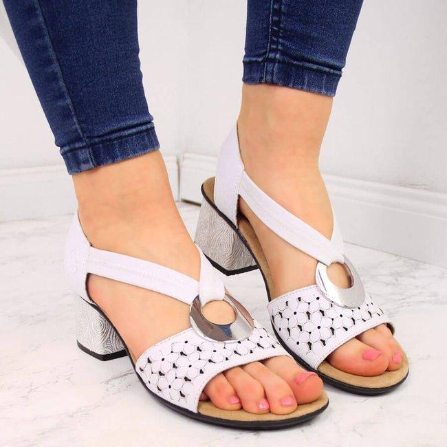 Sandały skórzane damskie z gumą białe Rieker 64677