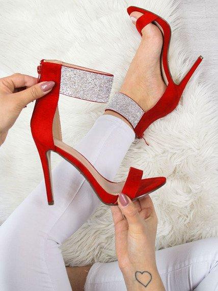 Sandały z cyrkoniami na szpilce czerwone Ideal Shoes
